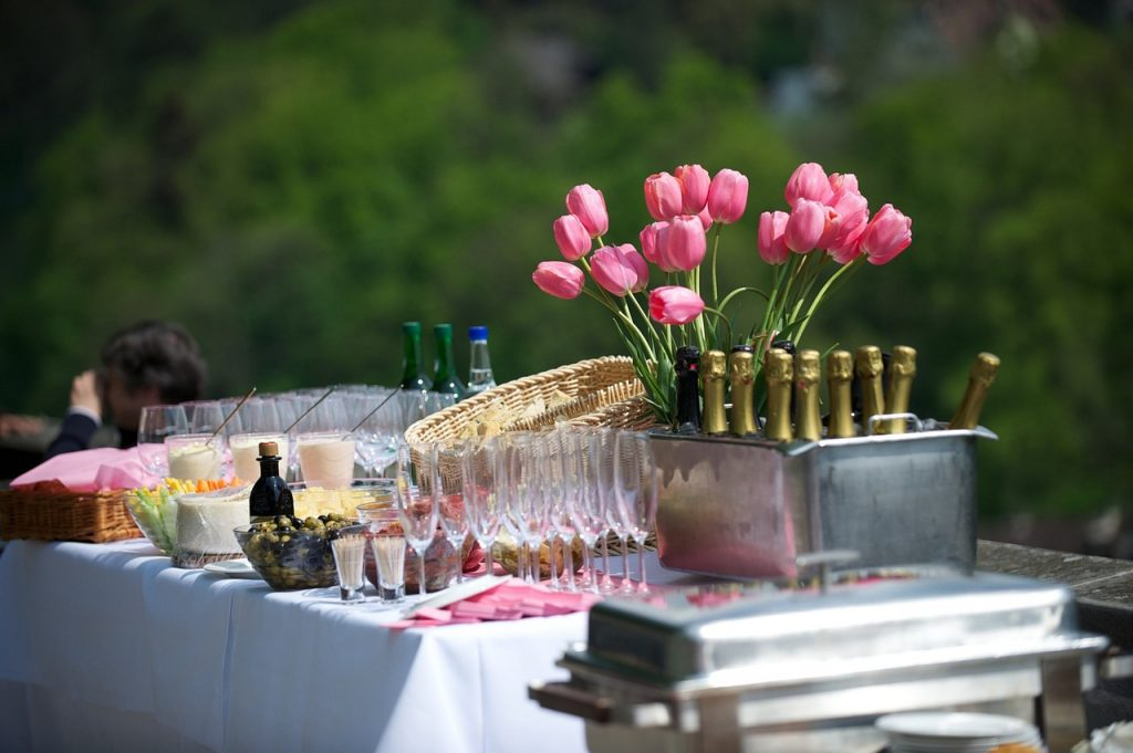 Celebrate your party outdoors