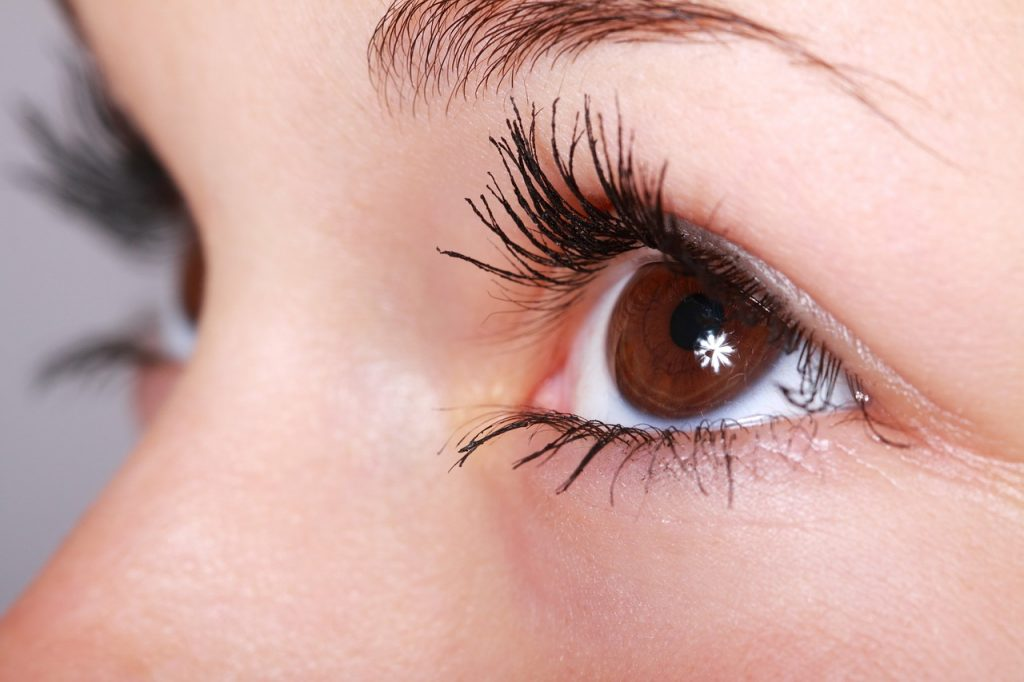 Tricks to make your eyelashes look abundant